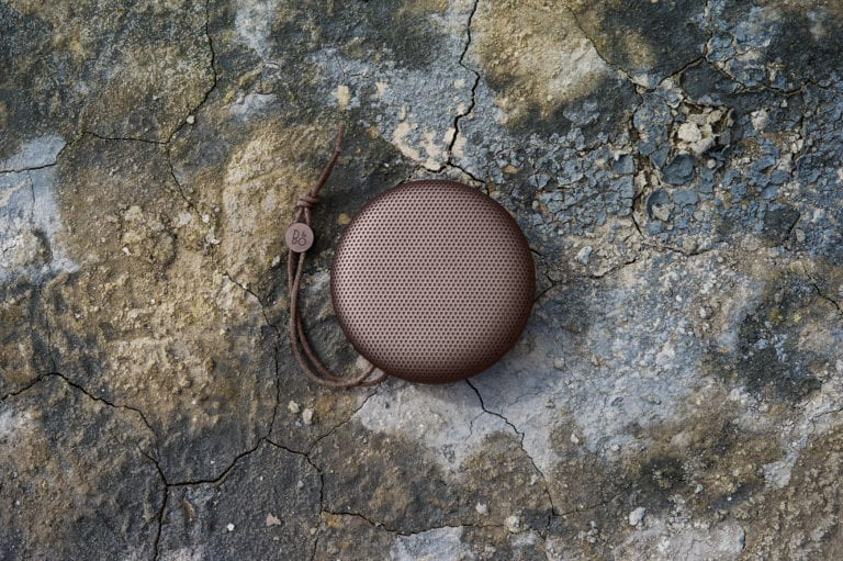 beoplay-a1---deep-red_28185884461_o