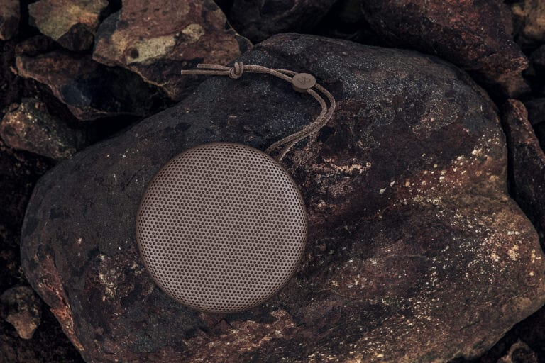 beoplay-a1---deep-red_28264116815_o