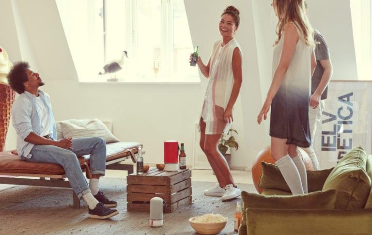 Libratone-Livingroom-ZIPP-RED-+-ZIPP-MINI-GREY-LOW