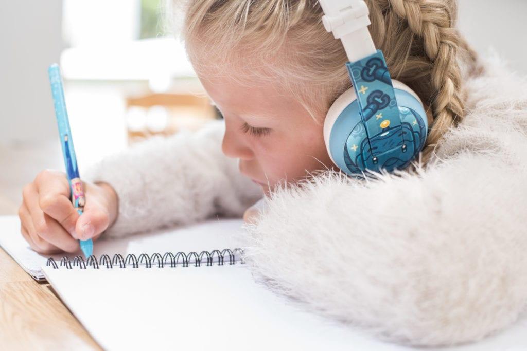 BuddyPhones Wave fra HØR for barn.