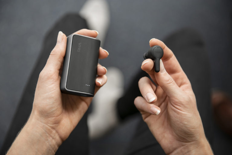 RHA_TrueConnect+charging+case+and+earbud+hands
