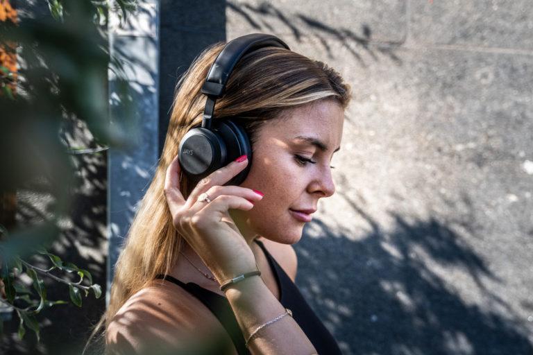 Jays q-Seven Wireless_Lifestyle 6